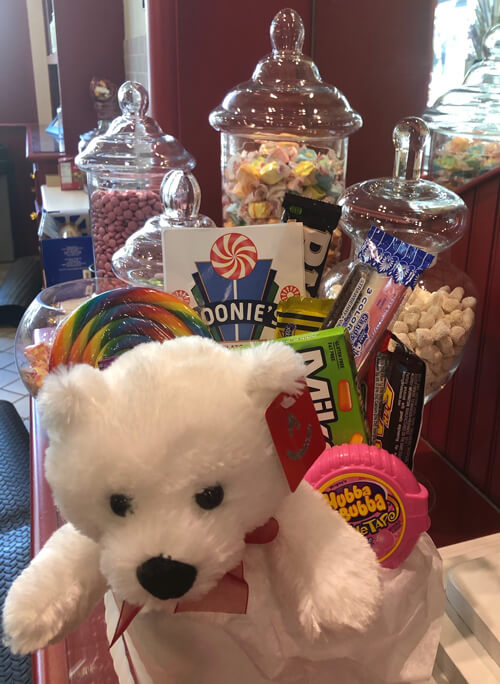 Zoonie's Candy, Toy and Gelato